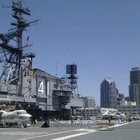 Foto scattata a USS Midway Museum da kyora il 8/20/2012