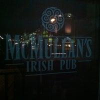 รูปภาพถ่ายที่ McMullan's Irish Pub โดย Craig C. เมื่อ 4/9/2012