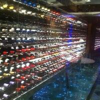Photo prise au Hotel President Wilson par Alper U. le3/8/2012