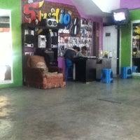 Photo taken at Studio 8 Segundos by Barush G. on 6/21/2012