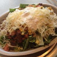 Photo taken at Chipotle Mexican Grill by kMcDiva on 6/21/2012