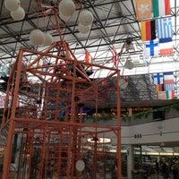 4/20/2012 tarihinde sachiziyaretçi tarafından Micronesia Mall'de çekilen fotoğraf