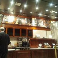 Photo prise au Corner Bakery Cafe par Ashley M. le2/23/2012