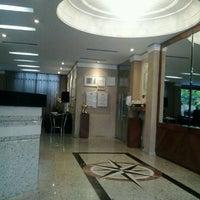 Снимок сделан в Lira Hotel Curitiba пользователем André A. 7/28/2012