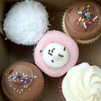 Photo taken at Muddy's Bake Shop by Helen B. on 5/31/2012