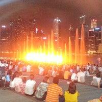 Das Foto wurde bei Wonder Full (Light & Water Show) von Vladimir R. am 7/29/2012 aufgenommen