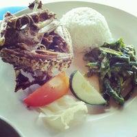Photo taken at Bebek Tepi Sawah Restaurant & Villas by Wei Ta S. on 5/8/2012