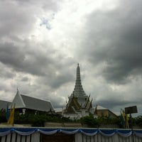 Photo taken at Bangkok City Pillar Shrine by Mu N. on 8/11/2012