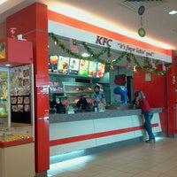 Photo taken at KFC by Hirfarisyam I. on 9/12/2011