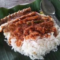 Photo taken at Nasi Dagang Warisan by Ku E. on 7/11/2012