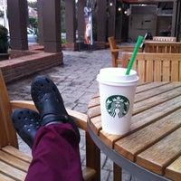 Photo taken at Starbucks by Jorge C. on 7/29/2011