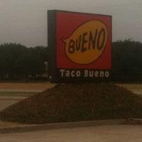 Photo taken at Taco Bueno by GERARDO D. on 8/13/2011