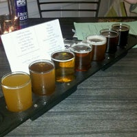 Photo taken at Moat Mountain Smoke House & Brewing Co. by David R. on 11/4/2011