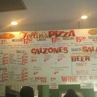 รูปภาพถ่ายที่ Fellini's Pizza โดย Capri B. เมื่อ 9/17/2011