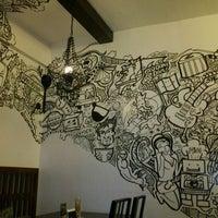 11/17/2011 tarihinde Toni Ann T.ziyaretçi tarafından Pino Resto Bar'de çekilen fotoğraf