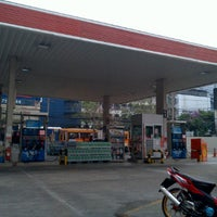 Photo taken at Esso Gas Station - Ladprao 38 by Wanida S. on 1/15/2012