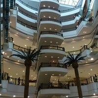 Foto tirada no(a) Shopping Iguatemi por Jason F. em 9/8/2011