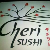 Foto tirada no(a) Cheri Sushi por Luís Henrique D. em 11/24/2011