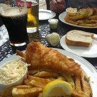 Foto tirada no(a) Olde Yorke Fish & Chips por Eric D. em 5/4/2012