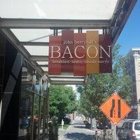 7/22/2012 tarihinde Mandyziyaretçi tarafından John Berryhill's Bacon'de çekilen fotoğraf