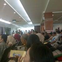 Photo taken at Kantor Imigrasi Kelas 1 Khusus Jakarta Selatan by Bramuda D. on 2/10/2012