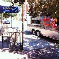 8/5/2012 tarihinde Rande K.ziyaretçi tarafından Larimer Lounge'de çekilen fotoğraf