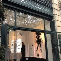 รูปภาพถ่ายที่ Guerlain โดย Marielle F. เมื่อ 4/15/2012