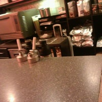 Photo taken at Starbucks by Nivaldo M. on 11/17/2011
