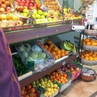 Photo taken at Des Fruits Des Légumes Bio by Longboard34 D. on 11/25/2011