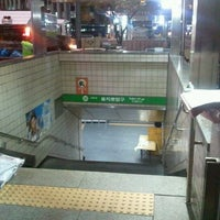 Photo taken at Euljiro 1(il)-ga Stn. by Jungdo K. on 11/20/2011