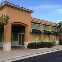 Photo taken at JuiceBlendz® by Arturo D. on 1/28/2012
