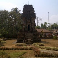 Photo taken at Kidal temple by occyosy on 9/8/2012