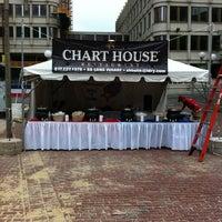 Photo prise au Chart House Restaurant par Michael G. le7/20/2011