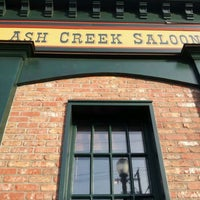 4/14/2012にRetailGoddessesがAsh Creek Saloonで撮った写真