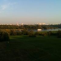Das Foto wurde bei Смотровая площадка von zoya_opa am 9/12/2012 aufgenommen
