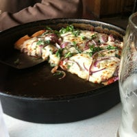 Photo taken at Old Chicago Pizza & Taproom by Monica M. on 5/22/2012