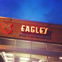 Foto tomada en Eagle's Deli por Brian K. el 7/19/2012