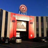 Photo taken at Profile Tyrecenter ABS by Frank V. on 4/11/2011