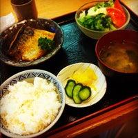Photo taken at 丸長 by Yasushi T. on 5/29/2012