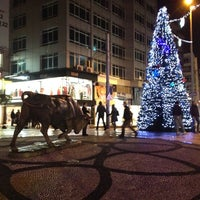 Das Foto wurde bei Altıyol Meydanı von ''Hande &. am 12/24/2011 aufgenommen