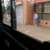Foto diambil di MTA Bus - B46 oleh Vanessa V. pada 10/13/2011