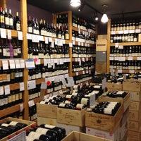 Das Foto wurde bei Mister Wright Fine Wine & Spirits von Matthew am 9/13/2012 aufgenommen