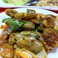 Photo taken at Cheong Wah Seafood Restaurant by Mork T. on 3/11/2012