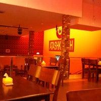 Photo taken at Atashkadeh Restaurant & Bar by Senthamil V. on 8/21/2011