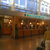 Photo taken at Starbucks by Filip V. on 5/28/2011