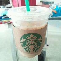 Photo taken at Starbucks by 운호 박. on 11/17/2011