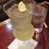 Photo taken at Red Robin Gourmet Burgers by Harmony B. on 5/14/2012