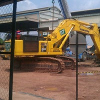 Photo taken at PT.United Tractors Site Bendili KPCS by Mhoko S. on 9/30/2011