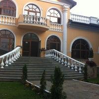 Снимок сделан в Geneva Royal Hotels & SPA Resorts пользователем Olga H. 5/10/2012