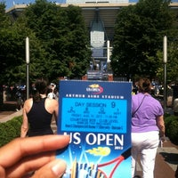 Foto tomada en Arthur Ashe Stadium - USTA Billie Jean King National Tennis Center  por Sanam S. el 8/31/2012